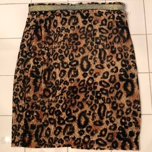 Forever 21 leopard velvet skirt